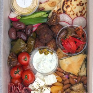 THE MEZE BOX WITH WINE